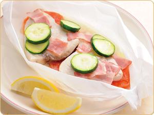 白身魚とズッキーニの包み蒸し