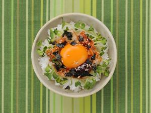 キムチ+のりの卵かけごはん