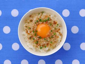 ごま油+おかかの卵かけごはん