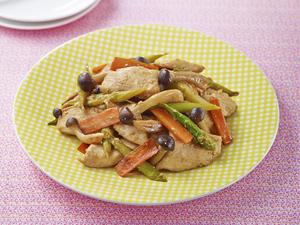 鶏肉とアスパラのガリバタ炒めセット