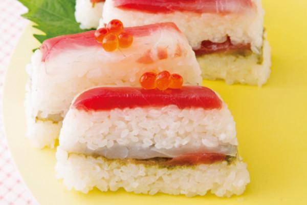 「鯛とまぐろの紅白押し寿司」