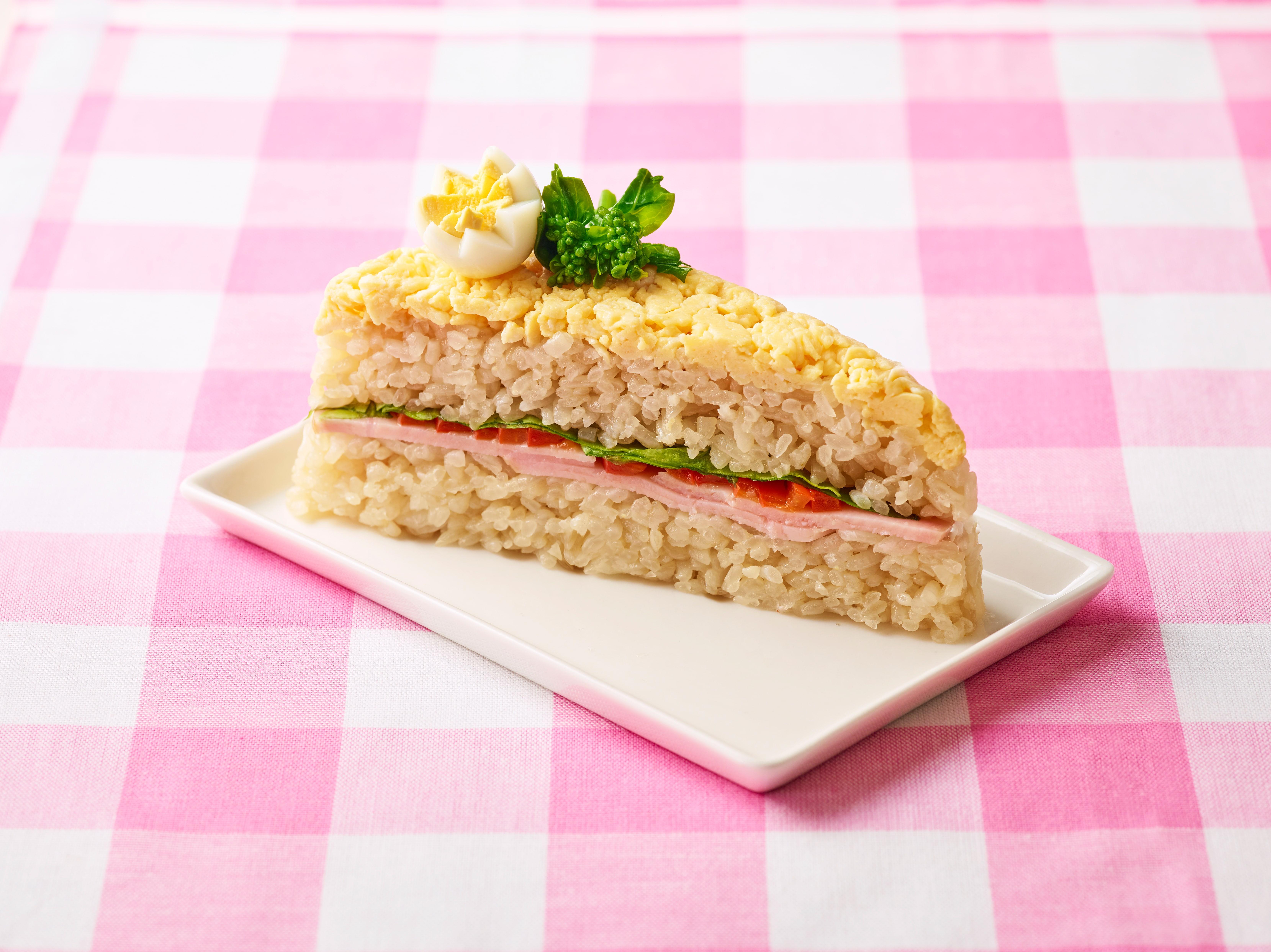 菜の花畑のケーキ寿司