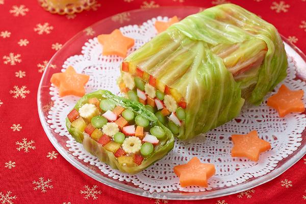 切り口がキレイ!「彩り野菜のゼリー寄せ」
