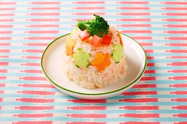 型抜き野菜がかわいい「お花のケーキ寿司」