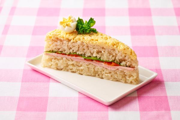 お寿司に見えない!「菜の花畑のケーキ寿司」