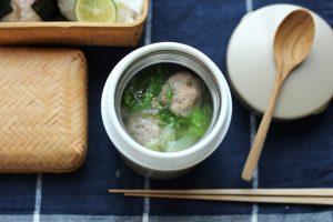 えび入り肉団子とキャベツの具だくさんスープ