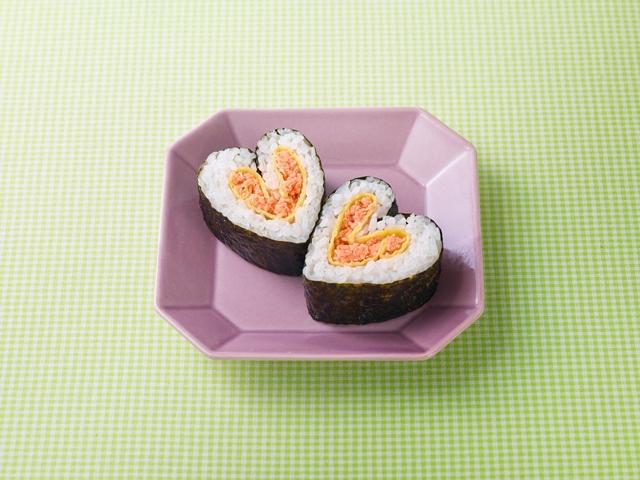鮭と卵のハートのり巻き