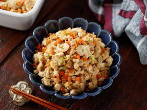 鶏ひき肉と野菜たっぷり♡炒り豆腐