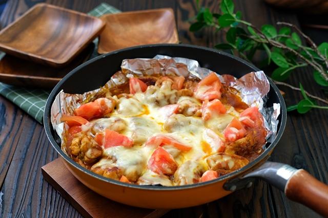 タンドリー風チキンとトマトのチーズ焼き