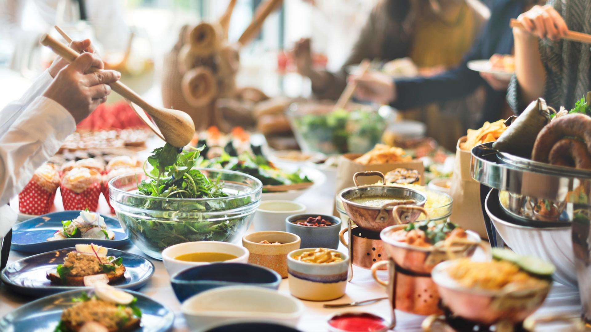 食品ロスは何が問題?社会や家庭が受ける影響と3つの原因を解説