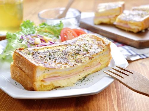 クロックムッシュ風『とろ~りチーズのおかずフレンチトースト』