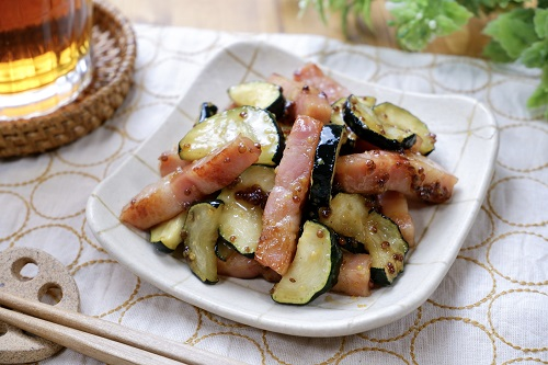 5分で作れる洋風副菜♪ズッキーニとベーコンのハニーマスタード炒め