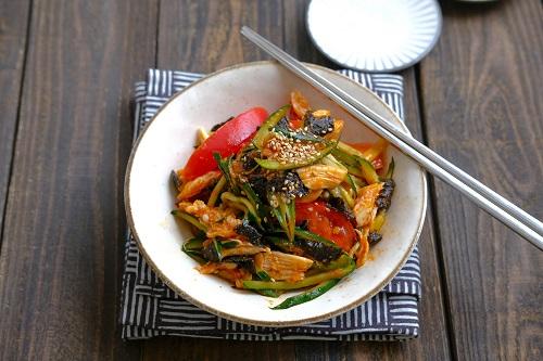 鶏ささみと夏野菜の韓国風サラダ